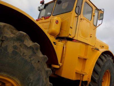 скільки важить трактор до 700