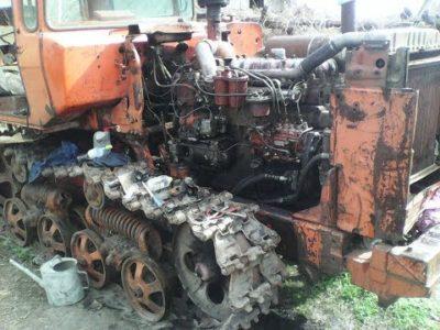 який двигун встановлений на тракторі