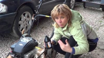який бензин заливати в газонокосарку