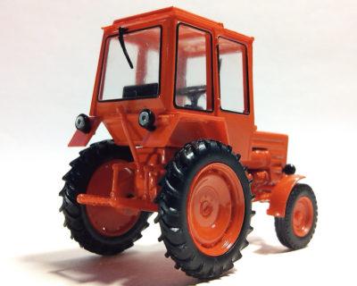 скільки важить трактор т 25