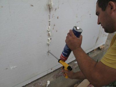 як закрити тріщину в стіні