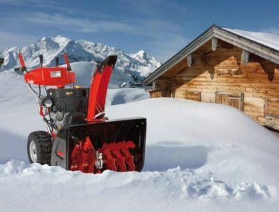 як чистити сніг мотоблоком