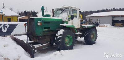 скільки важить трактор т 150
